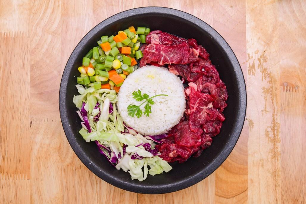 Món cơm bò bít tết