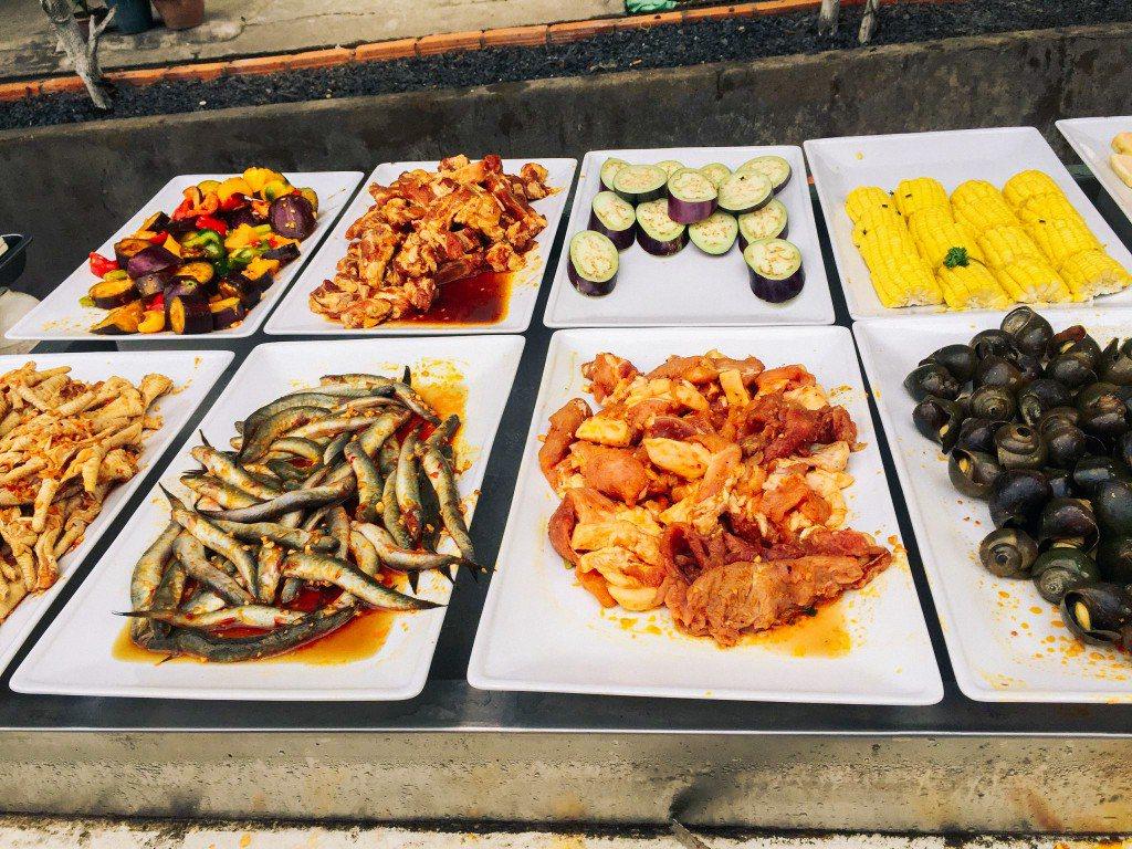 Các món ăn ngon được để gần nhau