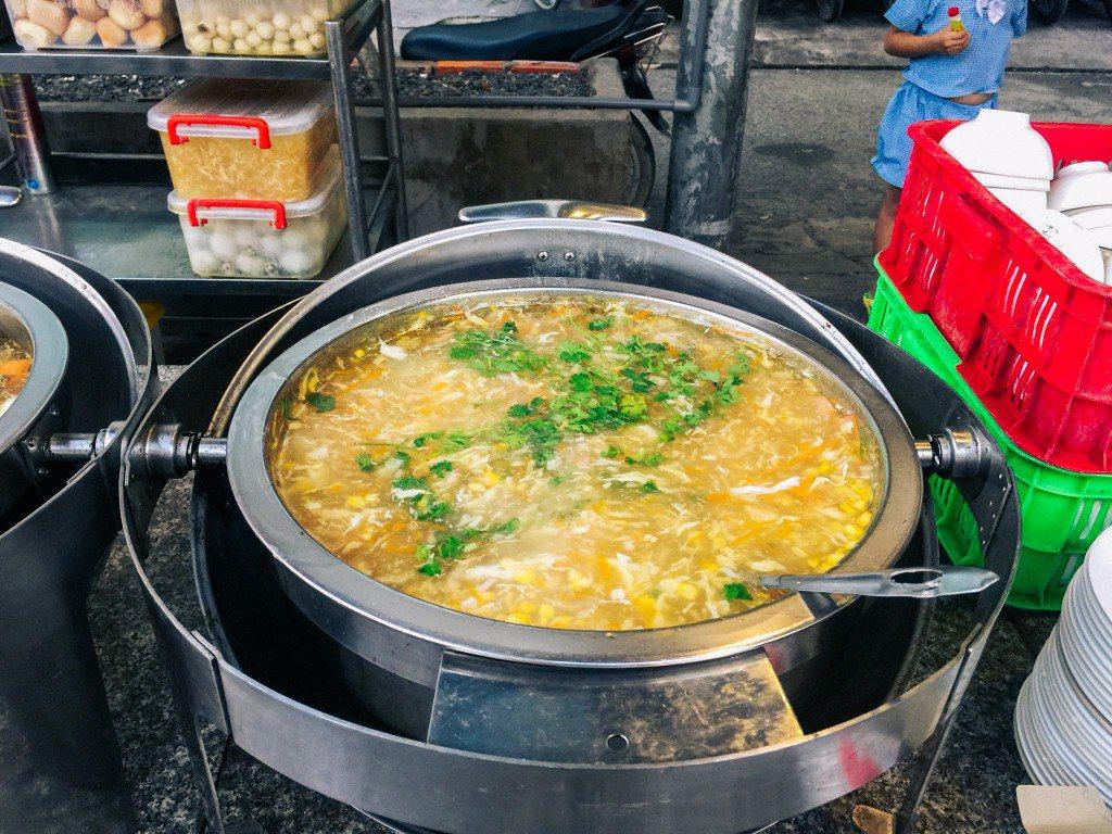 Món súp cua ngon tại Buffet chú tèo