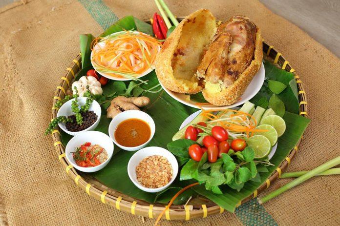 Món gà bó xôi ngon tại đường Lương Định Của quận 2 TPHCM