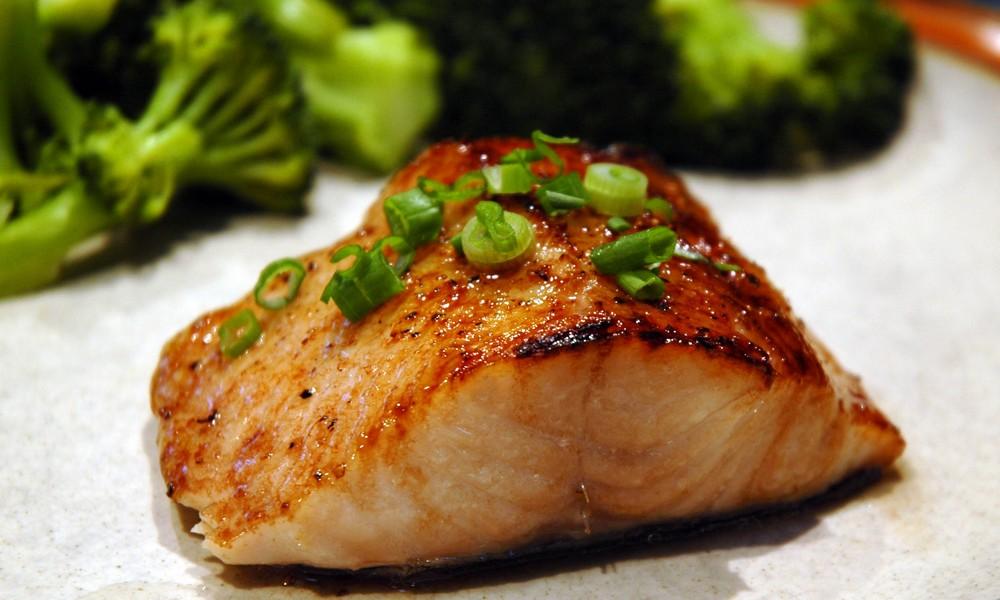 Cá ngừ vây vàng nướng dầu Olive