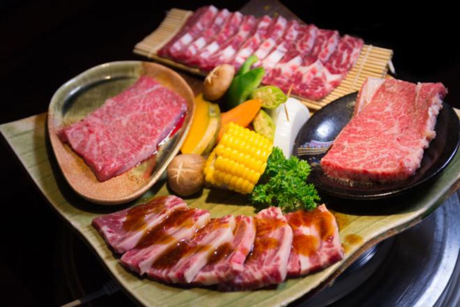 Thịt bò thượng hạng với nước sốt ngon tuyệt từ các đầu bếp nổi tiếng mang lại cho thực khách những món ăn ngon