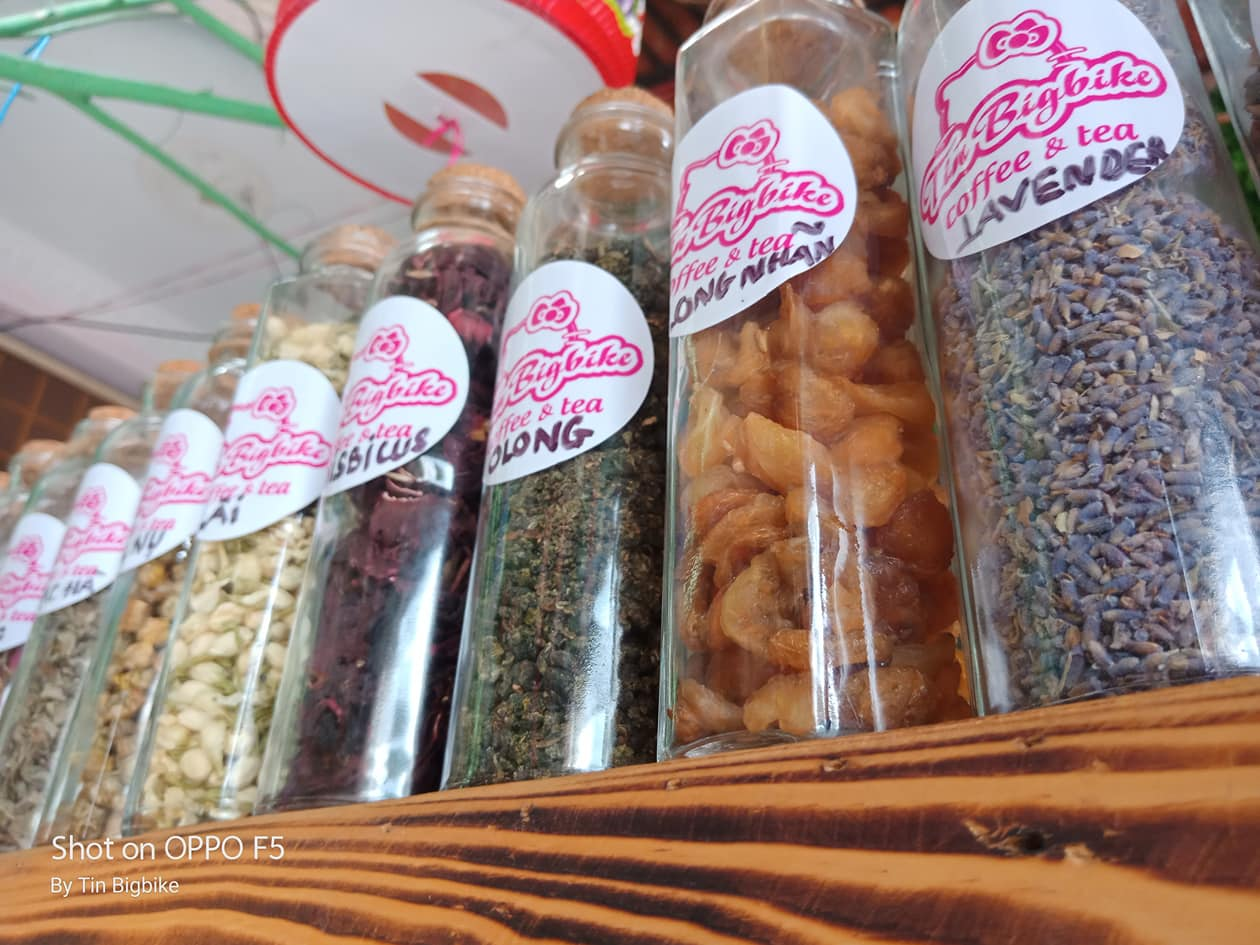 Các loại trà khô của cửa hàng