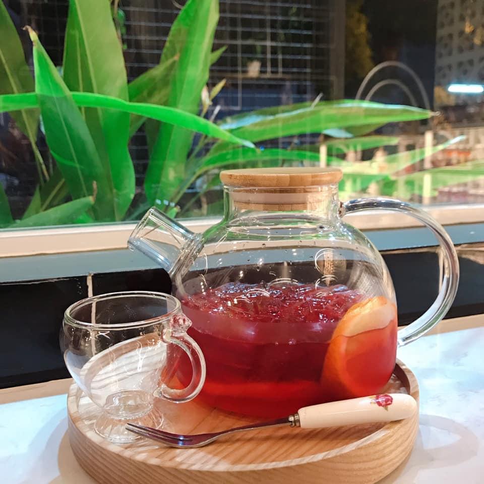 Tri's tea & sweet