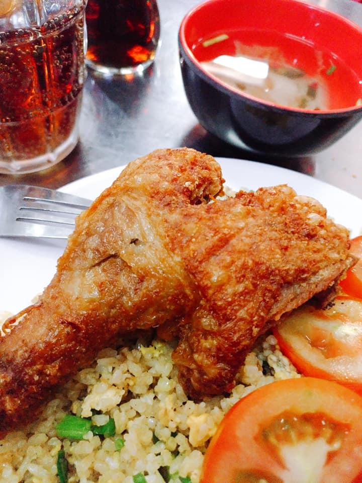Cơm gà Thạch Lam