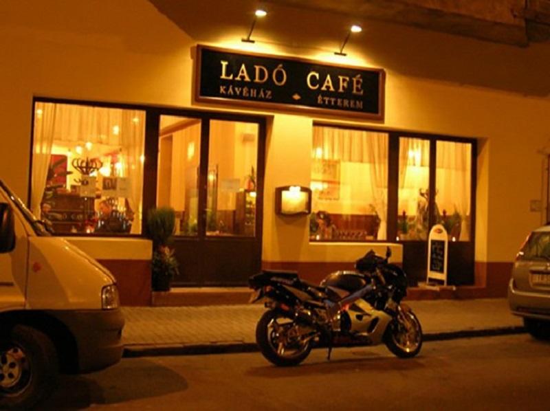 Lado Cafe - quán cà phê sang chảnh lôi cuốn mọi tín đồ tại quận Bình Thạnh