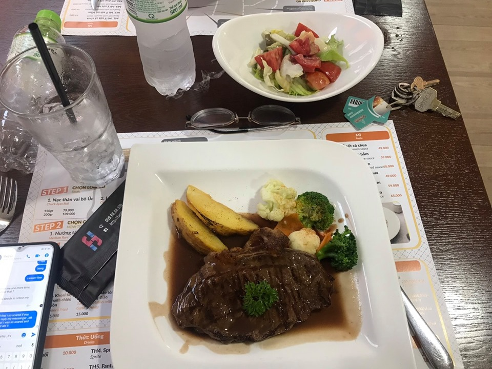 Nhà hàng Happy Steak