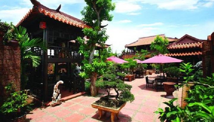 Nhà Hàng Cafe Cổ Gia Quý