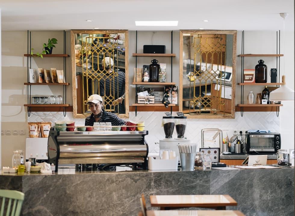 Gentle Cafe - Quán cà phê đẹp sang trọng tại 53-55 Đường 24, P. 11, Quận 6, TP. HCM