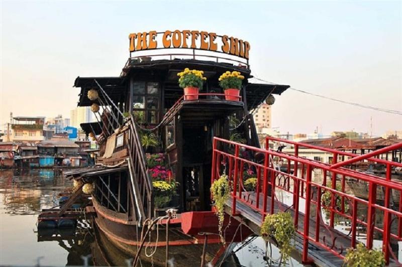 The Coffee Ship - Quán cà phê trên sông tại 759 Trần Xuân Soạn, Q.7, TP.HCM