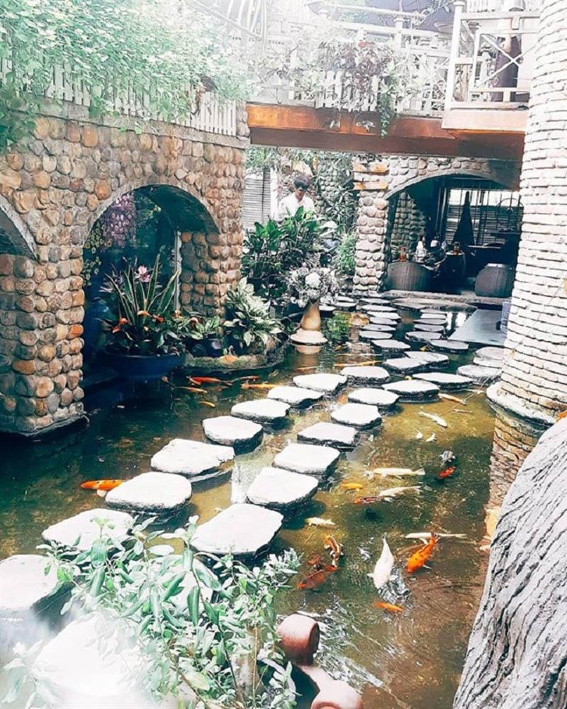 Oasis Café được xem là một trong những điểm hẹn hò hot nhất hiện nay của các bạn trẻ Sài Gòn.