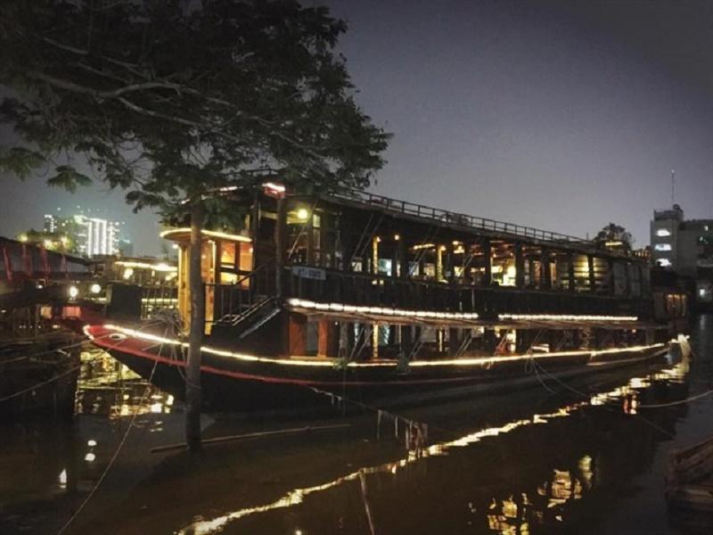 The Coffee Ship - Quán cà phê trên sông