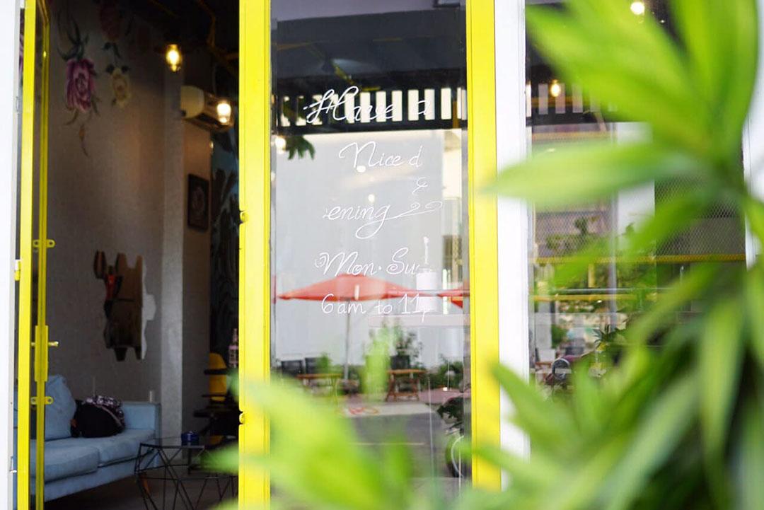 Không gian quán cà phê Lavi quận 9