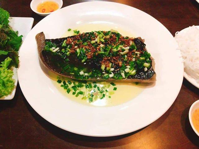 Thịt cá đuối nấu lẩu thủ đức