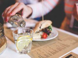 Uống nước sau ăn