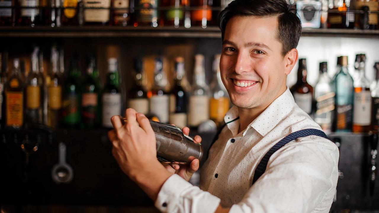 10 bước để trở thành một bartender chuyên nghiệp